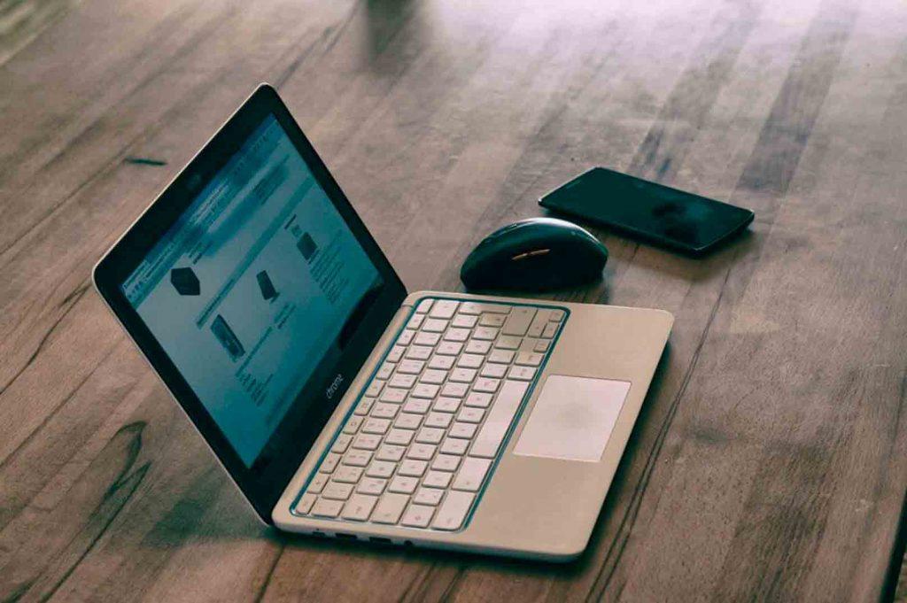 10 tipos de publicidad online que necesitas conocer: publicidad con campañas de shopping, funciona como un escaparate.